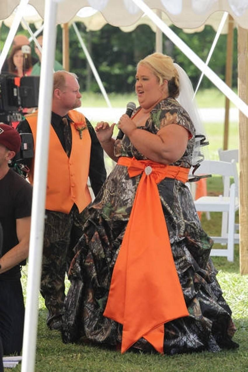 Discount plus size wedding camo dress with short sleeve sweetheart discount plus size wedding camo dress with short sleeve sweetheart neckline lace up back floor length green realtree bridal gowns with orange sash slim line ombrellifo Image collections