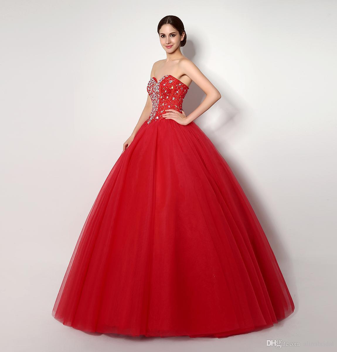 Billiga i lager Red Quinceanera Klänningar 2018 Kristaller Sweetheart Ball Gowns Sweet 16 Dress Tulle High Quanlity Vestidos 15 Party Prom-kappor