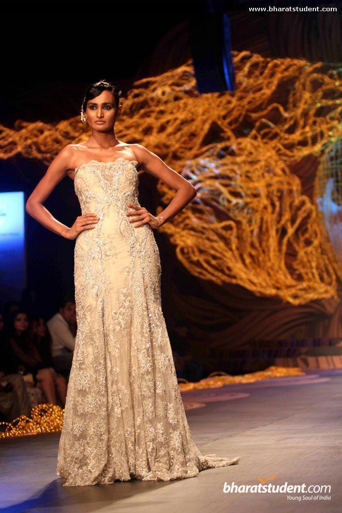 Lindo Laço Applique Talão Lantejoulas A Linha Longa Formal Vestidos de Noite Champagne Tulle Elegante Prom Vestido India Vestidos Plus Size