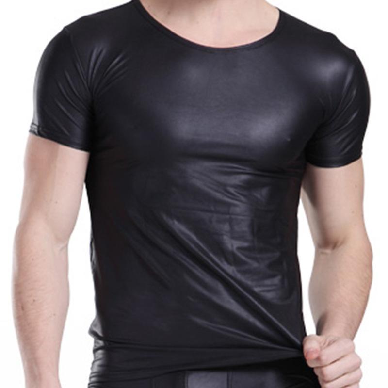 2015 homens sexy camisas de couro exótico preto de couro falso t shirt dos  homens calças justas clube tops lingerie látex para o homem preto lingerie  ... 2858b6c1a30