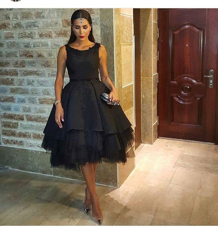 Black Little Party Vestidos de baile 2016 Una línea de vestidos de cóctel sin mangas hasta la rodilla Falda de tul Vestidos árabes por encargo