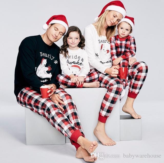 634cb4042c01ae Família Natal Pijamas Bebê Pijamas Set Crianças Inverno Criança Olhar  Família Combinando Roupas Mãe Pai Filhas Filho Outfits