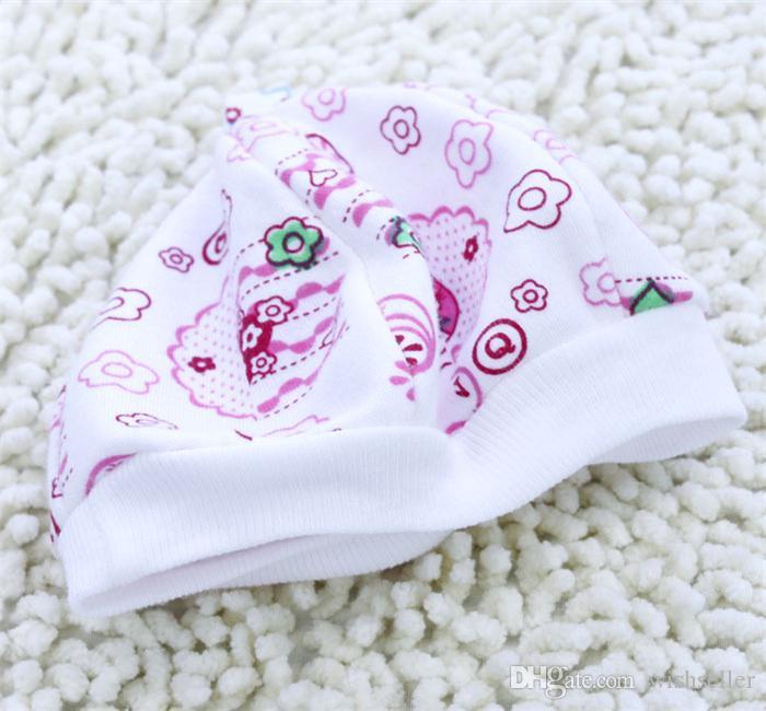 100 stks nieuwe baby producten van toepassing op 0-3 maanden Neonate Cap Katoen Cartoon Hoed Willekeurige Kleur Kleine Cap