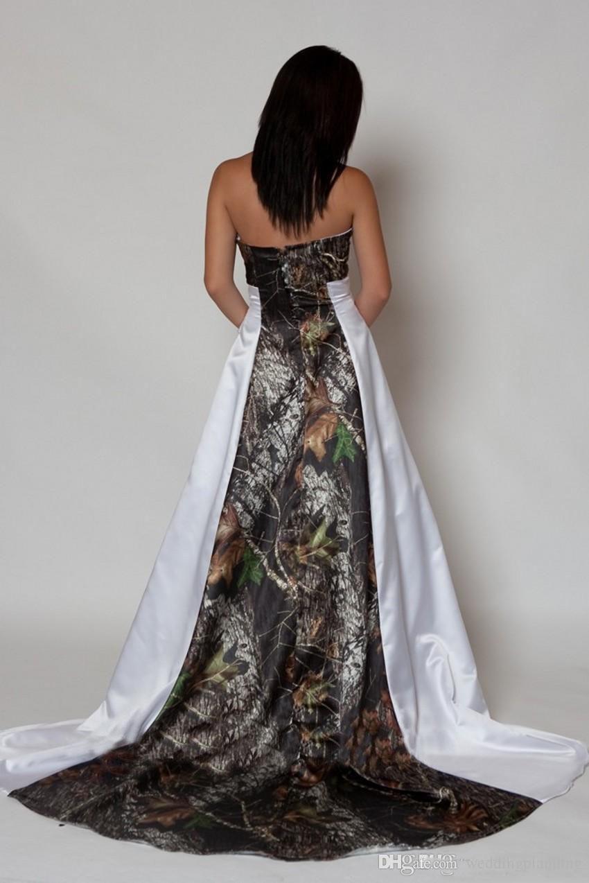 새로운 도착 Strapless 카모 웨딩 드레스와 Pleats 제국 허리 라인 스윕 기차 Realtree 위장 2016 Betra 신부 가운
