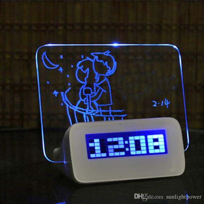 Mode Blau Hintergrundbeleuchtung LED Fluoreszierende Digital Wecker Message Board USB 4 Port Hub LCD Digital Vertikale Anschlagbrett