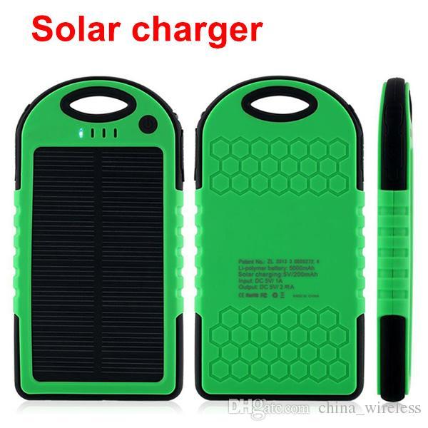 La Banca di potere del caricatore solare portatile di 5000 mAh il iphone del ipad di Andriod di iPhone decreterà le macchine fotografiche con le porte doppie USB del moschettone