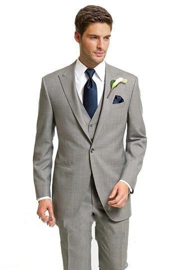 Traje de 5 piezas slim fit gris claro esmoquin novio Peaked solapa lateral Vent Groomsmen hombres traje de boda por encargo Jacket + Pants + Tie + Vest