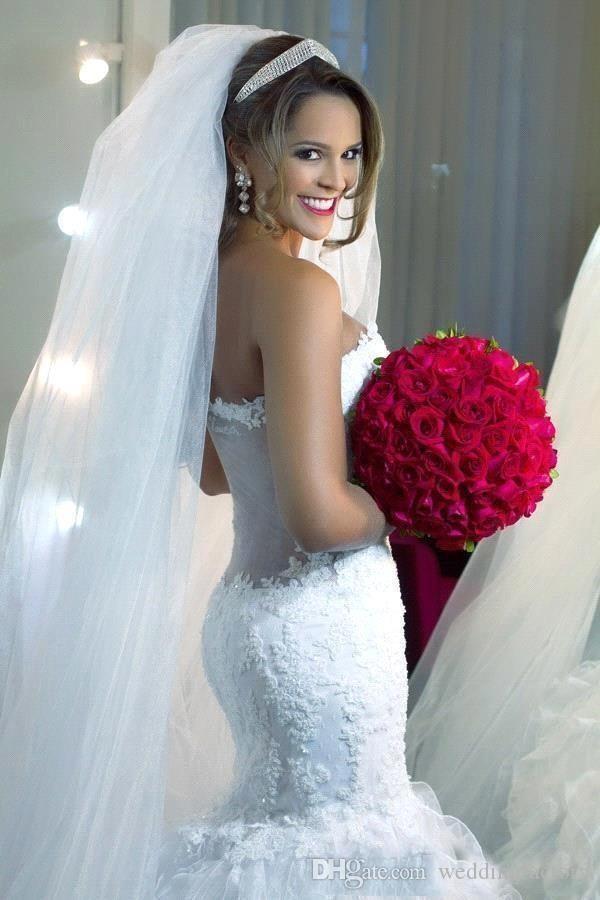 Wunderschöne Luxus gekräuselte Brautkleider passen und Flare Mermaid Brautkleider mit schiere zurück Vintage Lace Appliques Tüll Rock nach Maß