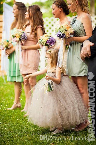 Szary Tulle Suknia Balowa Kwiat Dziewczyna Suknie Ślubne Suknie Halter Dekolt Długość Koszulka Piękne Dzieci Sukienka Dla Ślubnej Kuchnia Sukienka Komunia