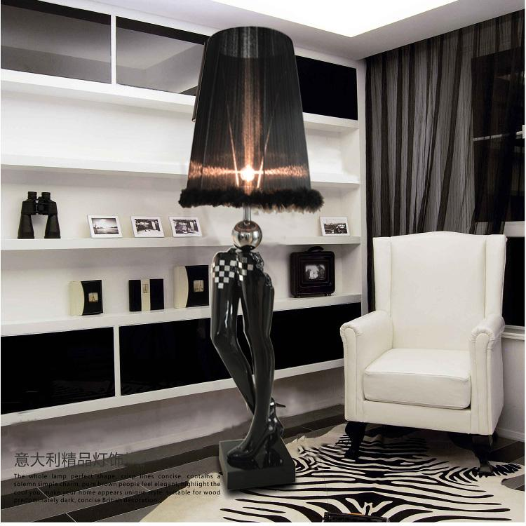 Großhandel Moderne Minimalist Harz Schwarze Beine Stehlampe Wohnzimmer Art  Deco Stoff Lamparas De Pie Kreative Schlafzimmer Sexy Legs Stehleuchte Von  ...