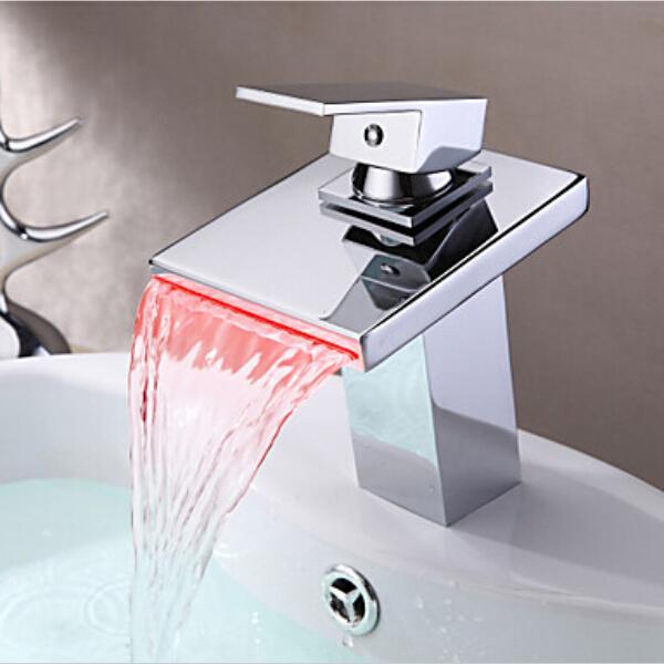 Batterie chromée polie RGB LED lumière bassin évier mitigeur robinet en laiton cascade robinet C3075