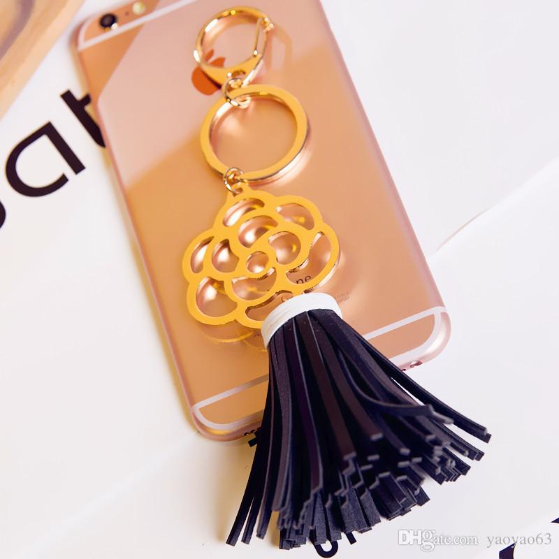 새로운 꽃의 한국어 버전 드리 워진 가죽 자동차 키 링 펜던트 패션 스타일 중공 다이아몬드 보석 장식품