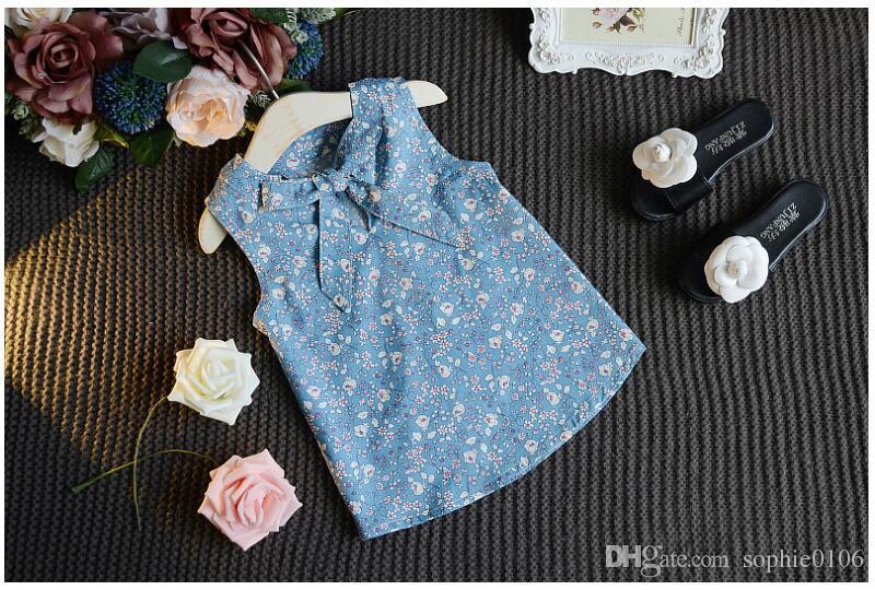 Maglietta estiva bambina senza maniche Stampa floreale Top T-shirt Cachi Pantaloni corti Abiti Bambini Moda Abiti Abbigliamento Due pezzi Natale