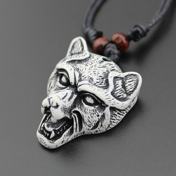 10% Rabatt auf 50pcs kühlen Yak Knochen Pulver geschnitzten Wolf Kopf Anhänger Halskette Halsband Geschenk