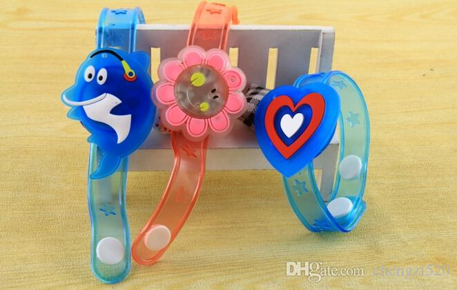 Creative Cartoon LED Watch flash Wrist bracelet light small gifts children toys wholesale stall selling goods Christmas toys