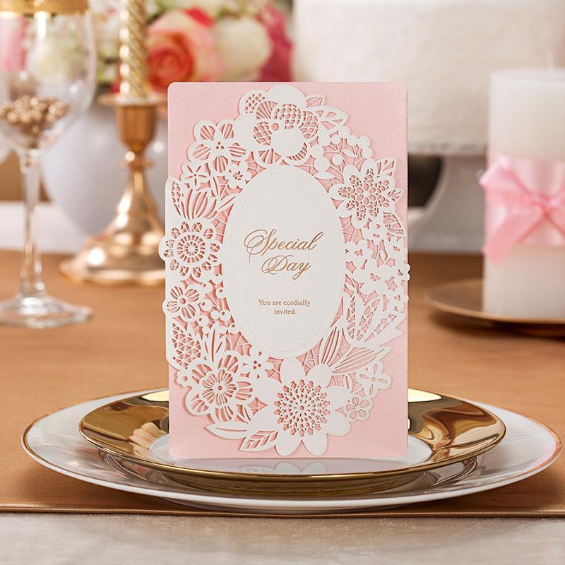Personalisierte Hochzeitseinladungskarten 3D dreidimensionales spezielles Gold höhlen heraus Turm-Entwurf CW059 chinesische beste Partei-Einladungen aus