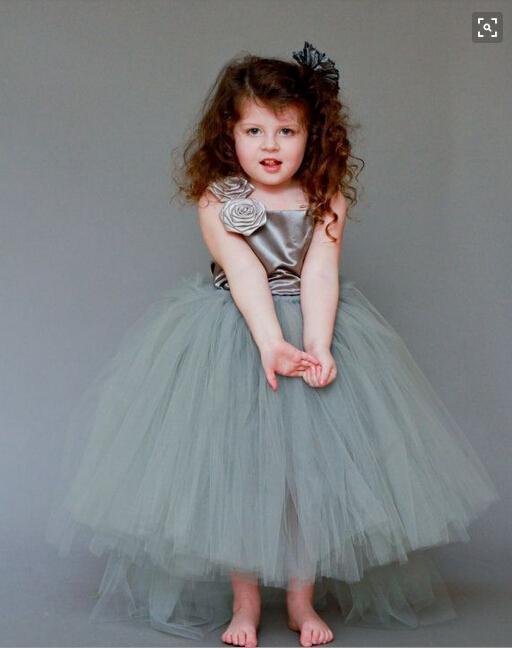 Une épaule balle robe tulle jupes robes de demoiselle de mariage avec fait à la main Floral Custom Made enfants cadeaux de Noël formelle Pageant robes