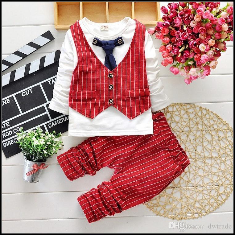 2015 Hot Boys Gentleman Set 2-7y Los trajes de otoño de los niños Trajes de ropa T Shirt + Pantalones + Chaleco de tela escocesa + Empate Envío Gratis MOQ: SVS0490