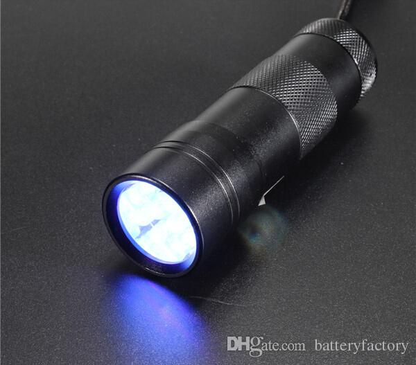 DHL libero, 395-400NM Mini luce ultravioletta UV portatile 12 LED UV torcia elettrica Scorpion Finder Finder luce nera UV-12