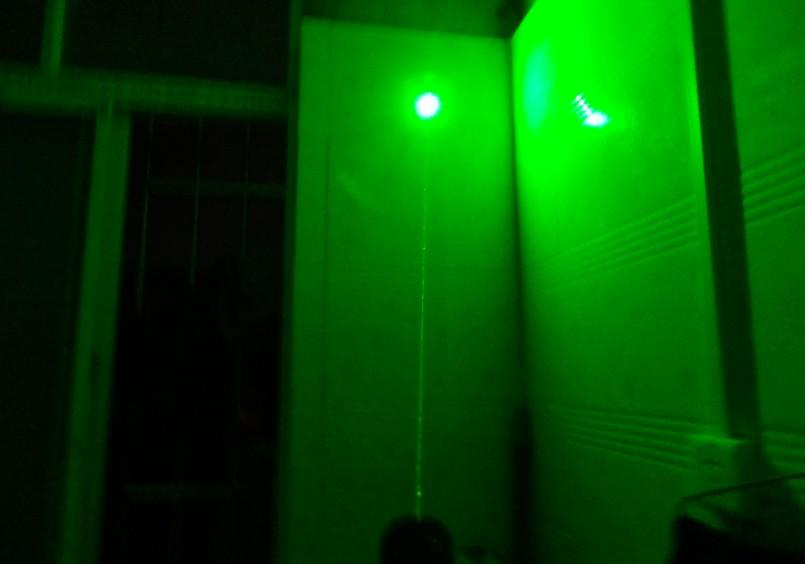 532nm protable pointeurs laser vert rouge bleu violet avec étoile casquette laser vert Lazer Beam lampe de poche militaire chasse + chargeur + boîte-cadeau