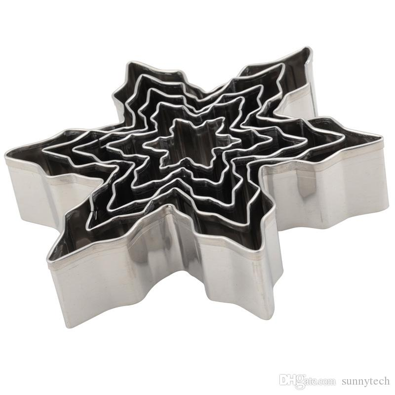 Christmas Snowflake Stainless Steel Cookie Cutters Cake Biscuit Moulds Fondant Icing Mold Kitchen Baking Tools LZ0621