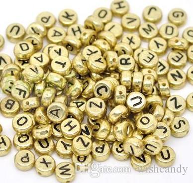 16 estilos / lote telar alfabeto acrílico perlas de acrílico encantos pulsera bandas de goma DIY Silicona Relabatiempos Cubo Letra Beads Colgantes Accesorios