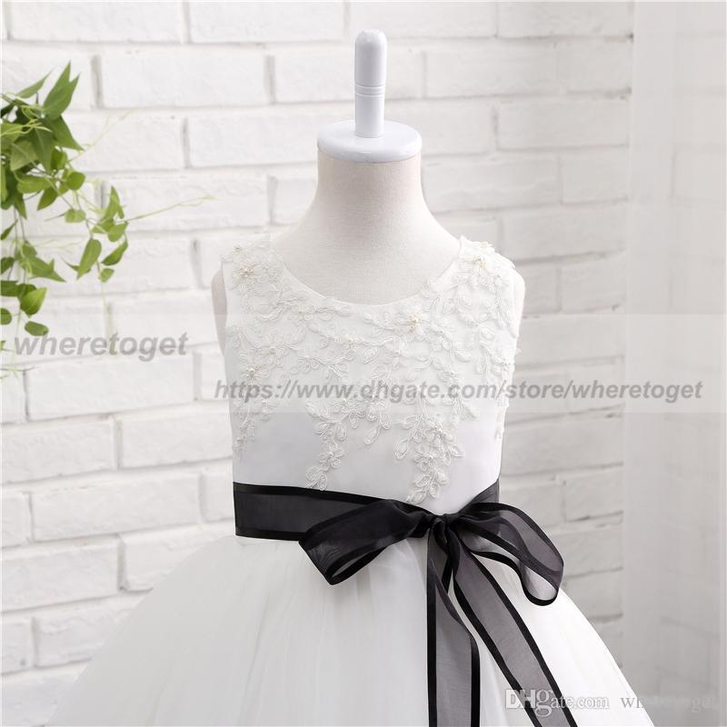 Real Fotos Weiße Blume Mädchen Kleider für Hochzeit Ballkleid Prinzessin Tutu Perlen Appliqued schwarzes Band 2018 Kind erste Kommunion Kleider