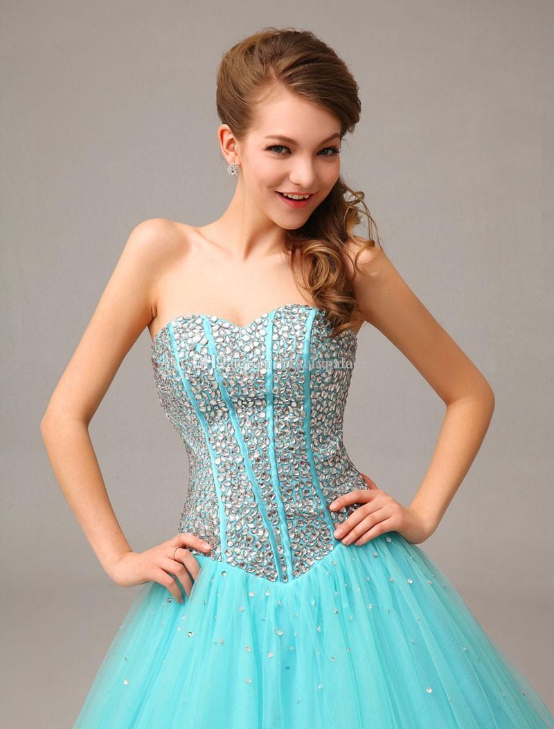 Ny ankomst Sweetheart Ball Gown Tulle Prom Klänningar Pärlor Kristall Charmig Prom Lokaler Rabatt Kväll Klänningar 2016 Quinceanera Klänningar
