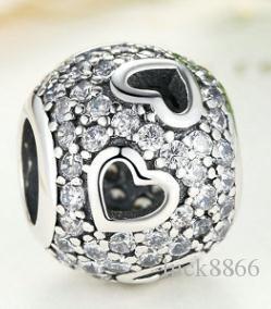 Abalorios en forma de corazón con incrustaciones de diamantes de plata de ley S925