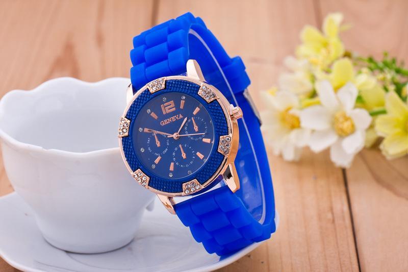 Marca nueva moda ginebra reloj mujeres Anlog cuarzo Rhinestone decoración cronógrafo oro rosa reloj de silicona