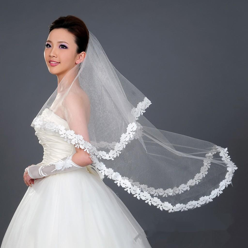 Wholesale Bridal аксессуары 2019 Два слоя Tulle Bridal вуали кружева аппликация края дешевый дешевый длина пальца длина свадьбы в продаже