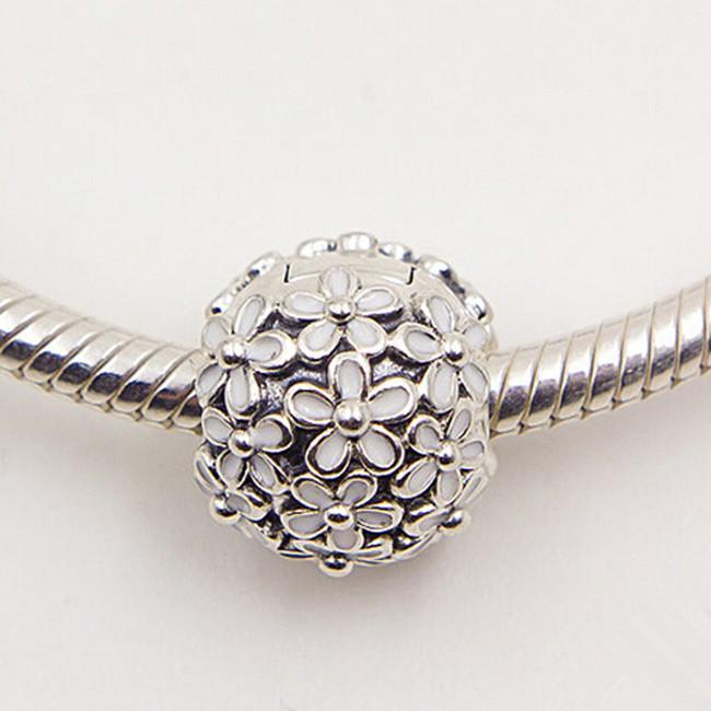 925 Ayar Gümüş Darling Papatya Çayır Beyaz Boncuk ile Klip Charm Boncuk Avrupa Pandora Takı Bilezikler Kolye Uyar