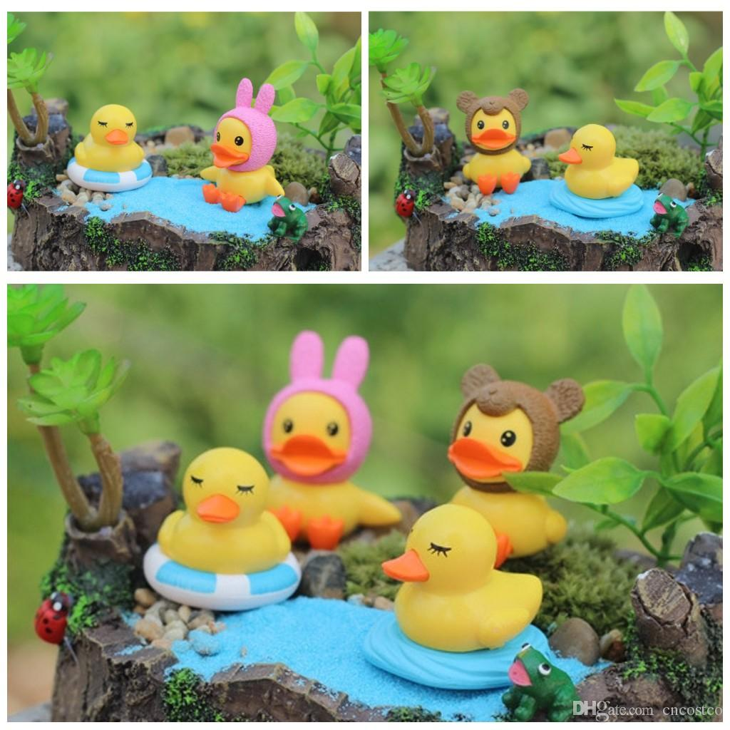 Rubber duck bathroom decor others beautiful home design for Duck decorations home