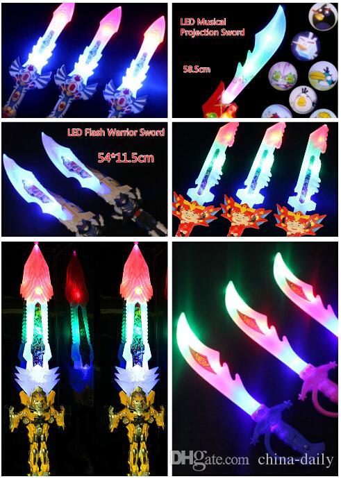 Free EMS Mixte LED Musical Flash Glow Épée Couteau Costume Dress Up Props LED Lumière Flash Gravity Enfants Jouet Cadeau De Noël