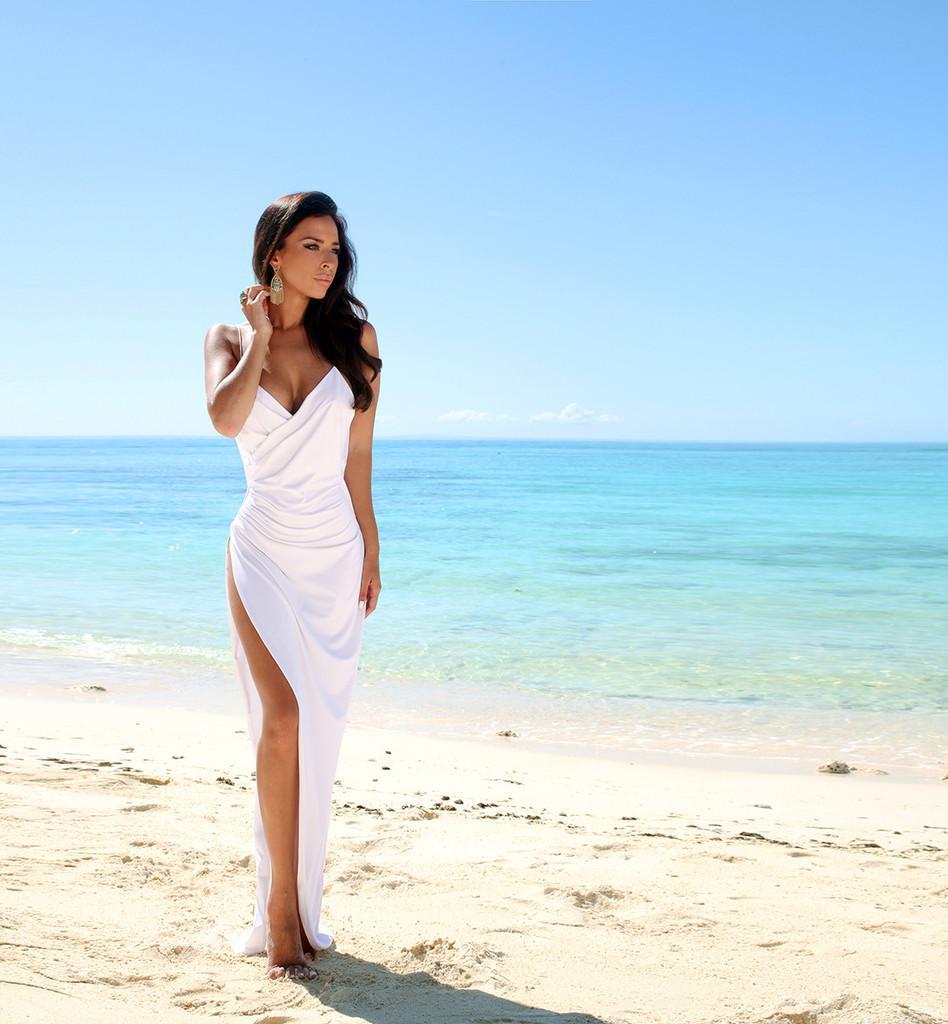 2015夏のビーチセクシーなスパゲッティストラップシースウェディングパーティードレスバックレスノースリーブサイドスリット床の長さのイブニングブライダルガウン
