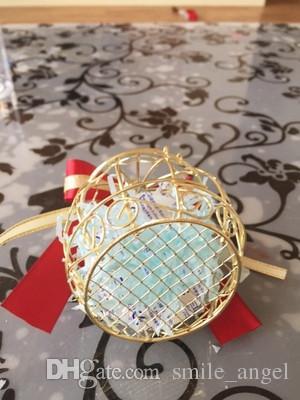 Hochzeitsbevorzugungs-Kästen Metallgoldkäfig geformt mit rotem Band-Bogen Kreative romantische Hochzeit bevorzugt neues Ankunfts-Direktversand 2018