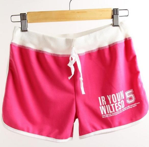 جديد الرياضة السراويل النساء جودة عالية القطن السراويل القصيرة 2015 الصيف المرأة الملابس طباعة رسالة عارضة كاندي الألوان السيدات شاطئ السراويل