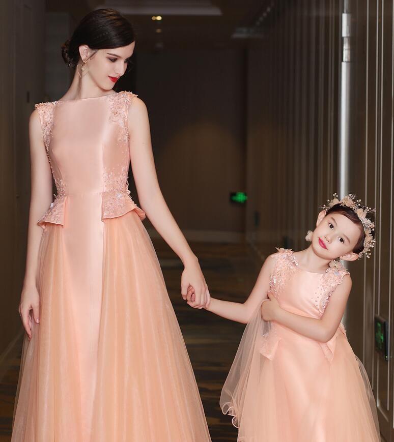 2017 новая мода мать и дочь платья выпускного вечера атласная тюль сливы жемчужина бисера кружева аппликация знаменитости платья выпускного вечера