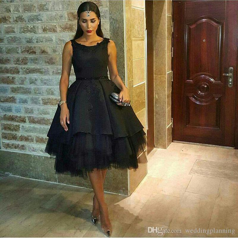 Classic Arabic Black Prom Dresses Beaded Satin Tulle Petticoat Prom Ball Gowns Knee Length Hollow Back Sexy Party Dresses Evening Wear