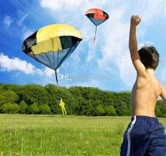 Paracaídas con Figura Soldado Juguetes voladores para niños Niños Deporte al aire libre Jugar Juguetes DHL envío gratuito