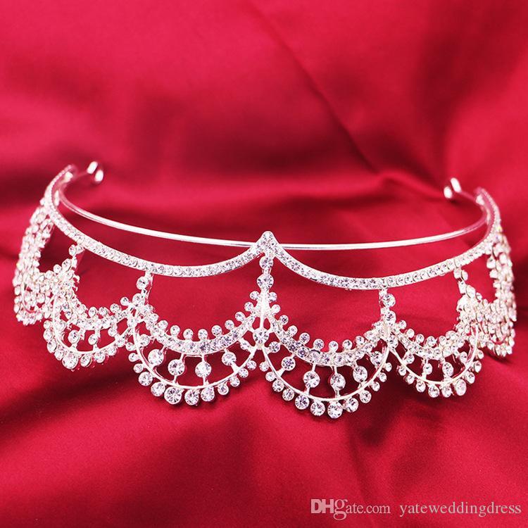 Romantiskt brudhårtillbehör Sexiga rhinestones och kristaller Headpieces 2015 Toppkvalitet Brudhuvudband Bröllop Tiaras