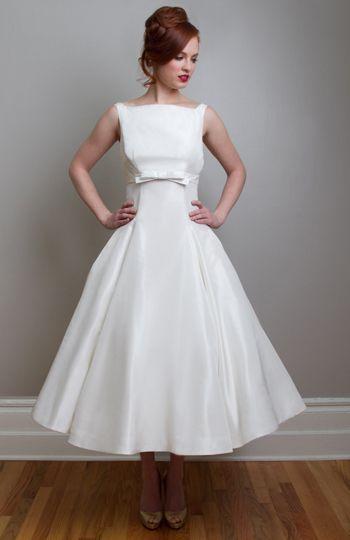 Plus Size Vestidos De Casamento Baratos Com Arco Bonito Vestidos Das Mulheres Do Vintage Drapeado Uma Linha Bateau Tornozelo Comprimento Curto Festa