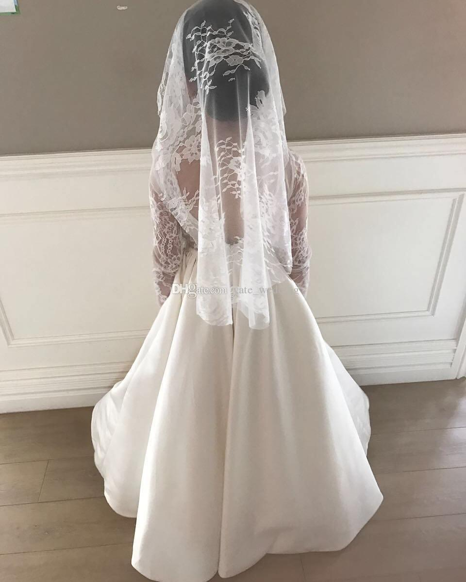 Pizzo maniche lunghe in raso Flower Girls Abiti matrimoni Lunghezza del pavimento Backless Junior abiti da damigella d'onore abiti da prima comunione
