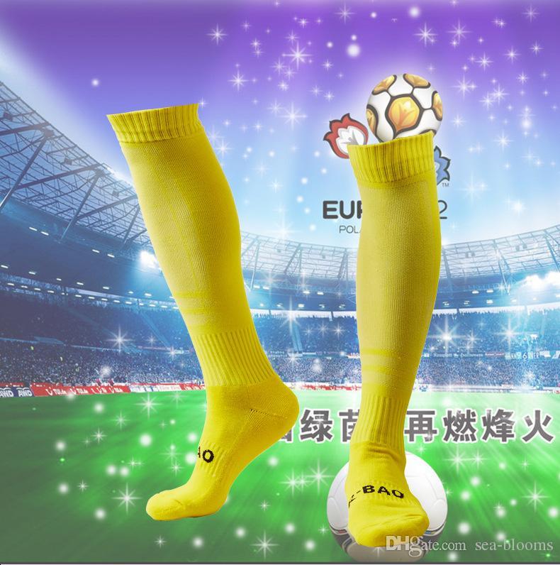 Ausgezeichnete Qualität Professionelle Einfarbig Fußball Strumpfwaren Hohe Elastische Gestrickte Baumwolle Sport Strumpf Fußball Socken D339M