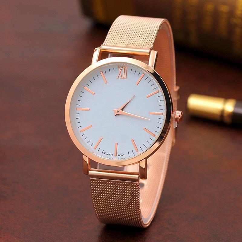 54daa376636 Novos relógios designer de marca para mulheres de alta qualidade de marca  de luxo relógio de quartzo moda relógios Mulher AAA Relógios Ladies Alloy  Belt ...