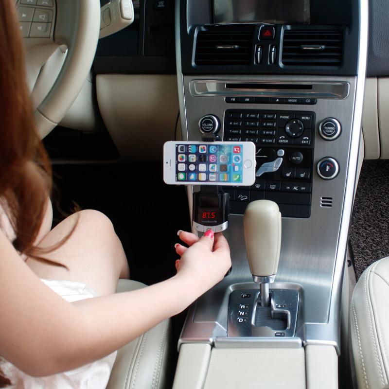 Uzaktan Kumanda Ile Bluetooth Araç Kiti Telefon Tutucu FM Verici Araba Mp3 Müzik Çalar Araç Tutucu Şarj iphone Samsung Smartphone Için