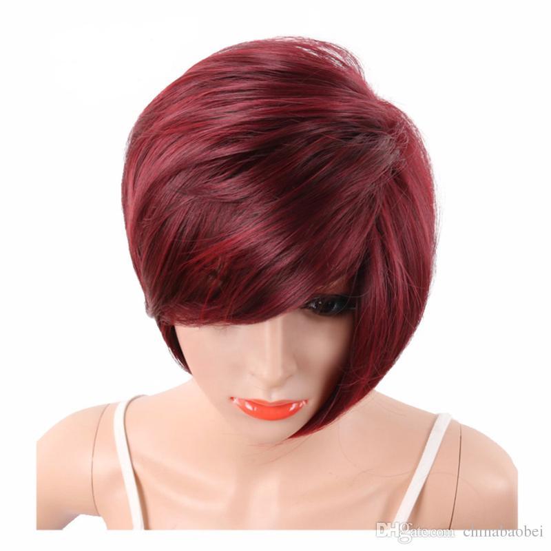 Perruques synthétiques coupées courtes de coupe de Pixie rouge de vin pour les femmes noires avec la perruque pleine droite droite résistante à la chaleur de Bangs de côté
