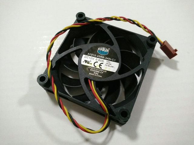 Оригинал для Cooler Master A7015-45RB-3AN-C1 DF0701512RFUN 12 В 0.6A 70 * 70 * 15 ММ 7 см компьютерный вентилятор охлаждения процессора DESC0715B2U 0.7a