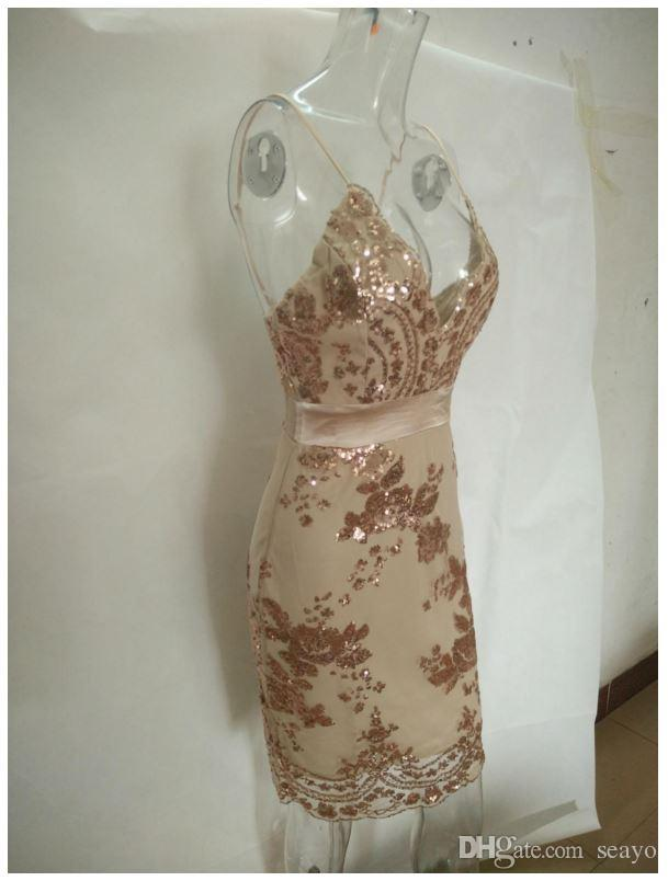 Yeni Avrupa ve Amerikan payetler, bel çiçek tipi, brokar elbise. Sling derin V halter elbise, altın rengi, siyah ve yeşil.