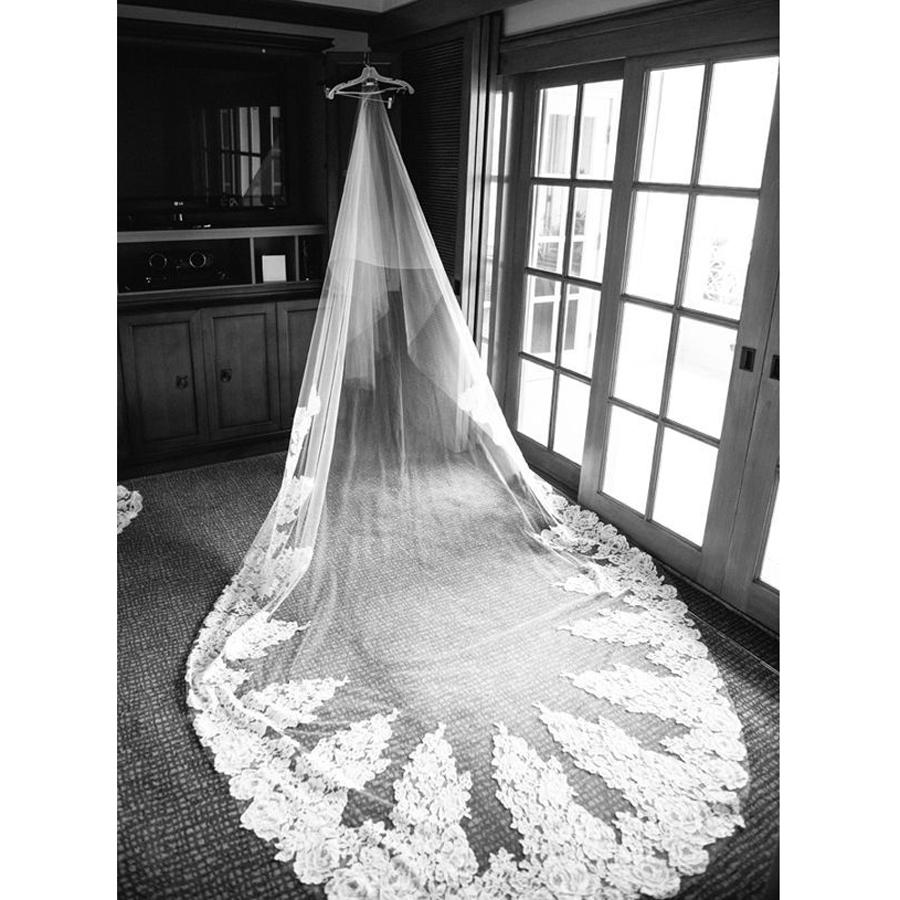 Cheap Two Tier Cathedral Wedding Veils Discount Vintage Lace